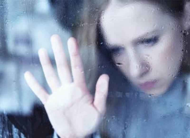 Dragi politicieni, citiți aceste rânduri: Despre depresiile femeilor românce din străinătate și ale copiilor care se sinucid de dorul mamelor!