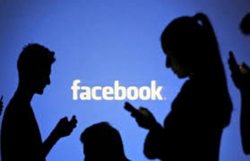 Dragoste cu năbădăi: La 16 ani, s-a mutat în casa bărbatului de 33 de ani, pe care l-a cunoscut pe Facebook!