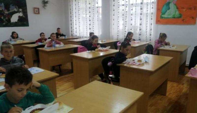Drăgușeni, Comuna din România în care elevii primesc mâncare caldă la şcoală din banii de festivităţi ai Primăriei