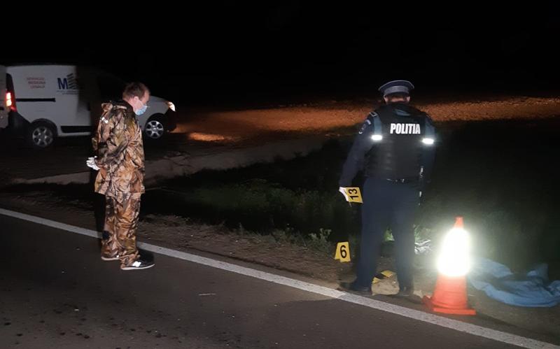 Dramă pe șoseaua spre Dorohoi: o femeie a fost aruncată peste 50 de metri de o mașină în apropiere de Popasul Cucorăni