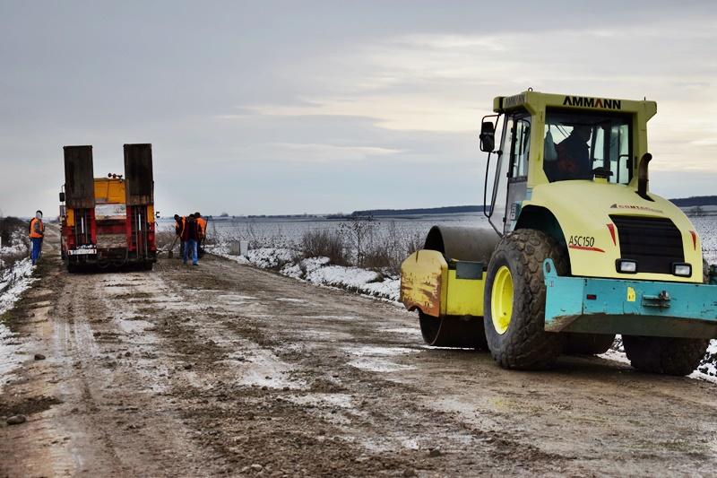 Drumul Manoleasa-Rădăuți Prut a intrat în lucrări de modernizare - FOTO