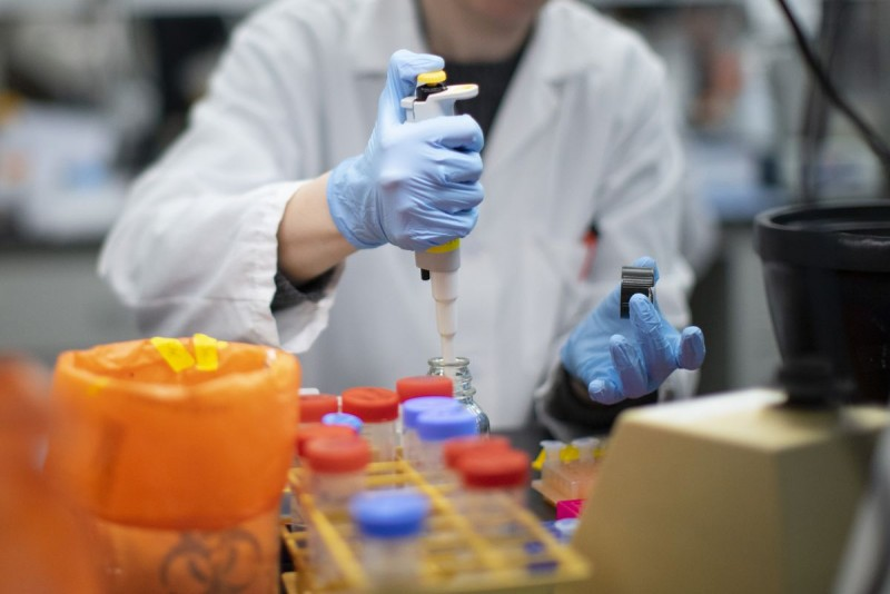 DSP: Patru cazuri noi de infectare din aproape 300 de teste. Scădere a numărului de cazuri active