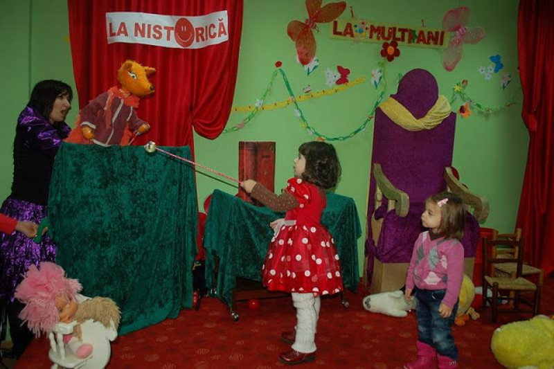 """Duminică, """"La Nistorică"""": Club Bebe şi Carnavalul personajelor de poveste!"""