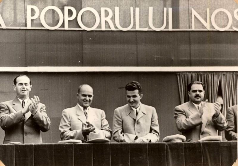 """După ce s-a prăbușit cu avionul, Ceaușescu a împușcat, cu sânge rece, nouă oameni, cu mitraliera. """"Atunci l-am blestemat să moară cu mâinile la spate"""""""