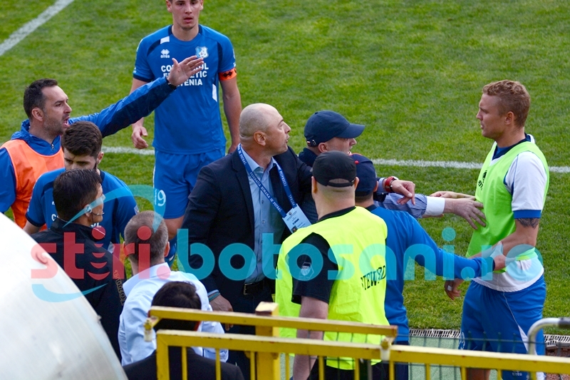 """După ce s-au încăierat anul trecut, Leo Grozavu și Matulevicius se reîntâlnesc la FC Botoșani: """"Eu cred că suntem profesioniști"""" - FOTO"""