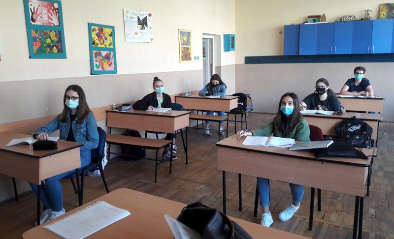 După data de 8 februarie, elevii ar putea face ore inclusiv sâmbăta