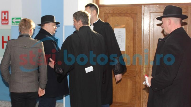 După doi ani, fostul preşedinte al Consiliului Judeţean are voie să vorbească cu socrul său