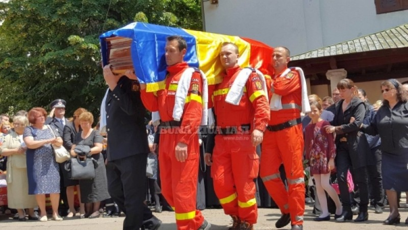 Durere sfasietoare la inmormantarea eroilor SMURD! FOTO, VIDEO