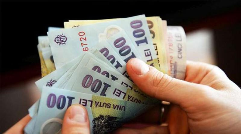 E lege: Salariul minim pe economie creşte de la 1 ianuarie la 2.230 lei