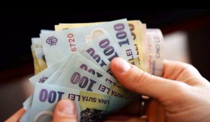 E mai bine să lucrezi la stat: Salariul mediu net în primele zece instituţii din România este de aproape 1.500 de euro