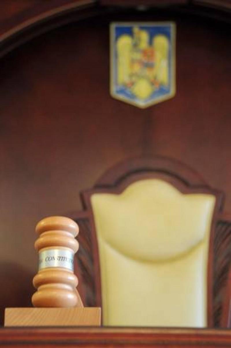 E oficial: Avocatul Poporului a contestat la CCR legea care l-a impiedicat pe Dragnea sa fie premier!