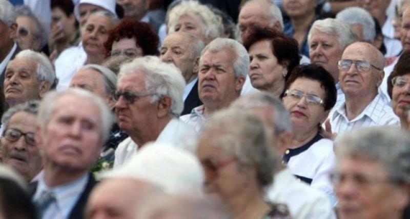 E oficial: România a devenit o țară de bătrâni și pensionari!