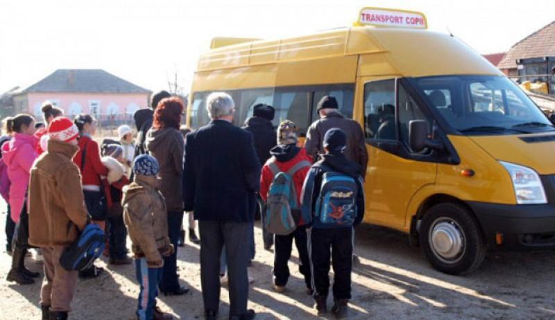 E oficial: Transport public gratuit pentru elevii din România