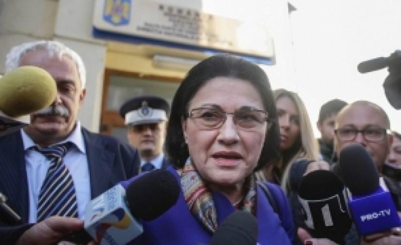 """Ecaterina Andronescu: """"Îi adresez rugămintea domnului Dragnea să se gândească la faptul că țara e mai importantă decât oricare dintre noi!"""""""
