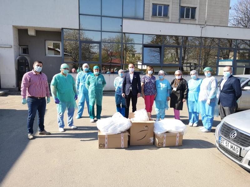 Echipamente de înaltă protecție medicală de peste 50.000 de lei donate salvatorilor în halate albe din Botoșani (foto)