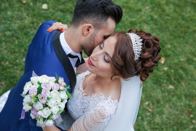 Educația în căsătoriile din 2018. Nivelul de studii al mirilor și cine cu cine s-a căsătorit