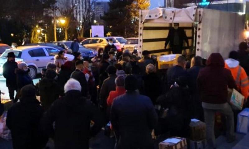 Efectele pandemiei: Românii din Europa se pregătesc de Crăciun, dar nu acasă. Șoriciul, toba, cârnații și cozonacii de acasă paralizează orașele Europei
