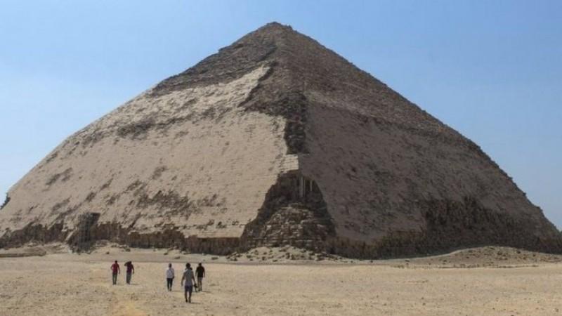 Egiptul a deschis publicului Piramida Înclinată de lângă Cairo