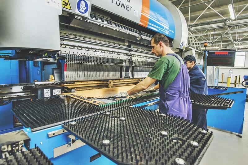 Electroalfa angajează personal în producție pentru fabrica de confecții metalice din Botoșani. Sunt disponibile peste 20 de locuri de muncă