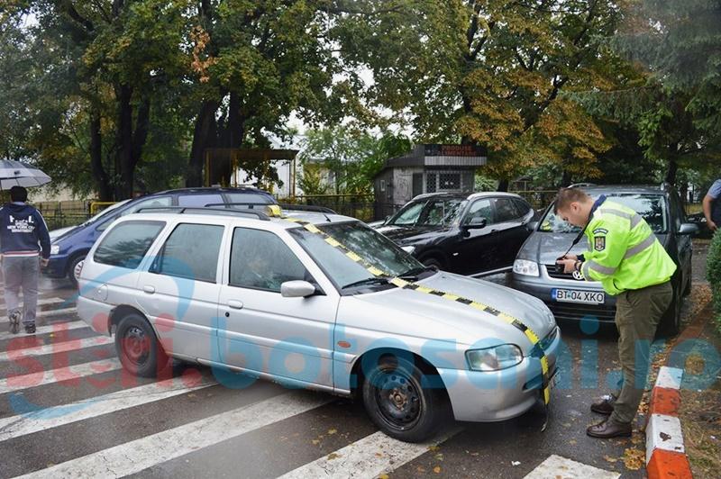 Elevă lovită de o mașină pe trecerea de pietoni! FOTO