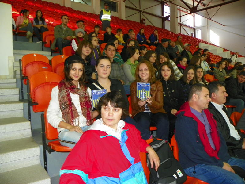 "Elevi ai liceului ""Laurian"", sustinatori ai echipei CS Pro Volei Botosani"