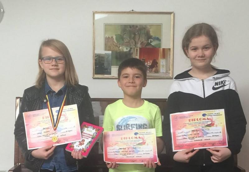 Elevi ai Școlii Populare de Arte și Meserii Botoșani, pe podiumul unui concurs național de pian! FOTO