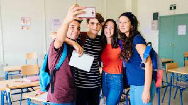 Elevii de clasa a VIII-a încheie vineri cursurile gimnaziului