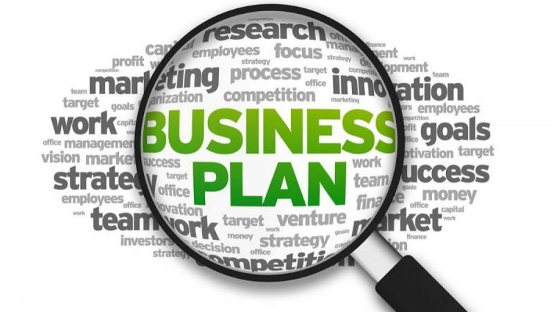 """Elevii unui colegiu botoșănean vor reprezenta regiunea nord-est la etapa naţională a competiţiei """"Business Plan""""!"""