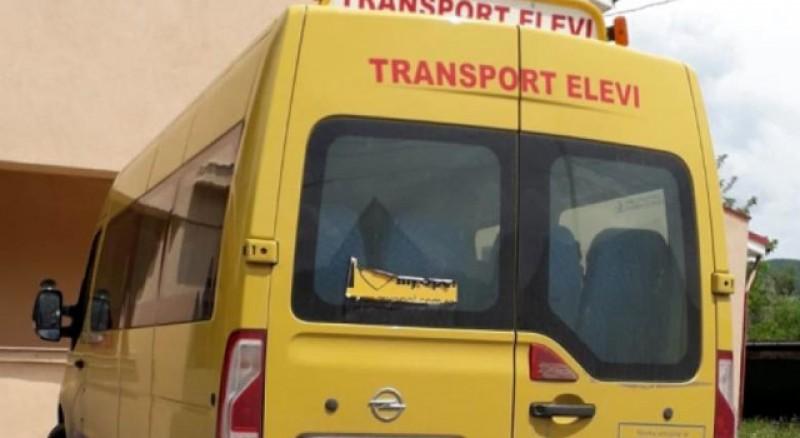 Elevilor li se va deconta naveta indiferent de mijlocul de transport pe care îl folosesc: mașină, tren sau naval