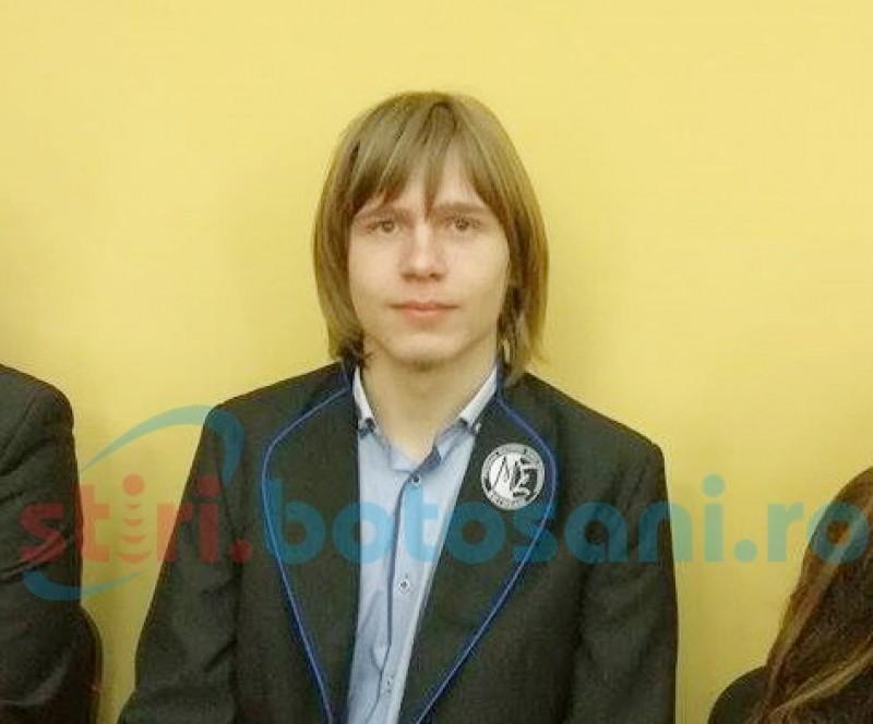 """Elevul Ştefan Răzvan Bălăucă, Cetăţeanul de onoare cu un palmares impresionant. Profesor: """"La doar 9 luni vorbea, la 3 ani extrăgea radicali"""""""