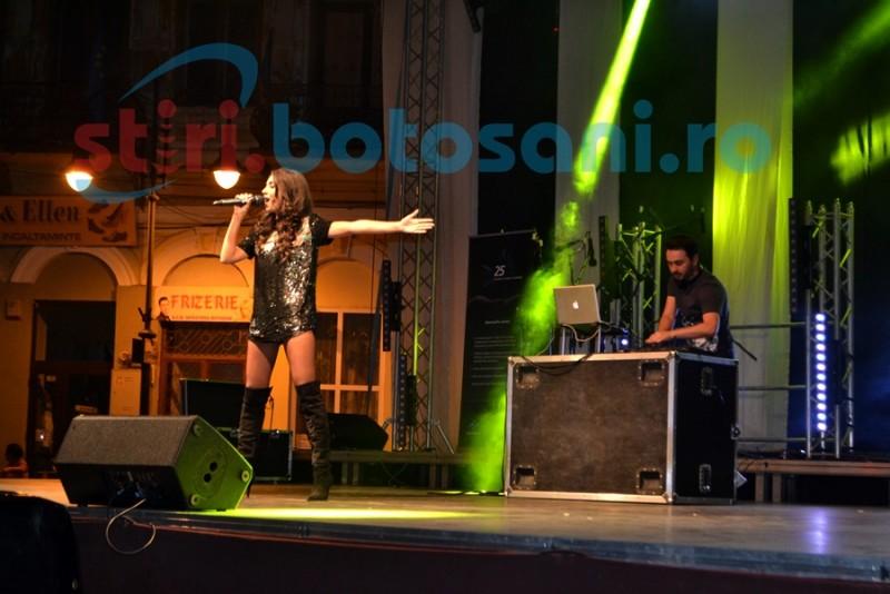 Emil Lassaria şi Caitlyn fac spectacol în Centrul Vechi! FOTO- VIDEO