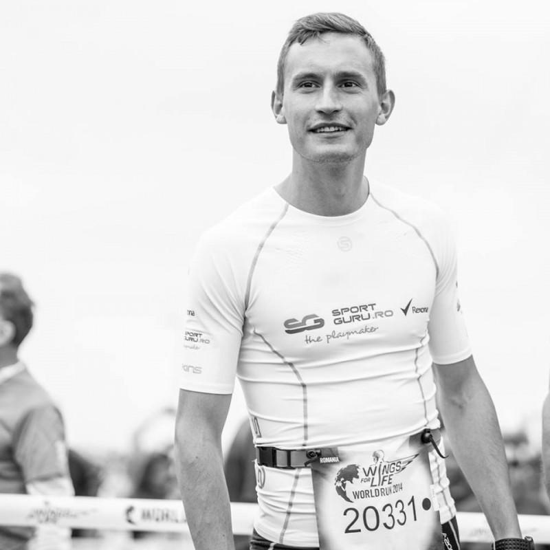 EMOŢII pentru Alexandru Corneschi: A alergat pentru tatăl său din scaunul cu rotile, acum, sportivii amatori aleargă pentru el!
