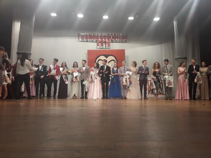 """Energie, frumuseţe şi artă la Balul Bobocilor din Colegiul """"Laurian"""" - FOTO"""