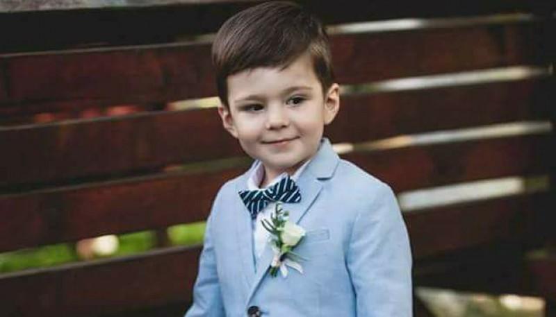 Eric, micul prinț care are nevoie de sprijinul nostru!
