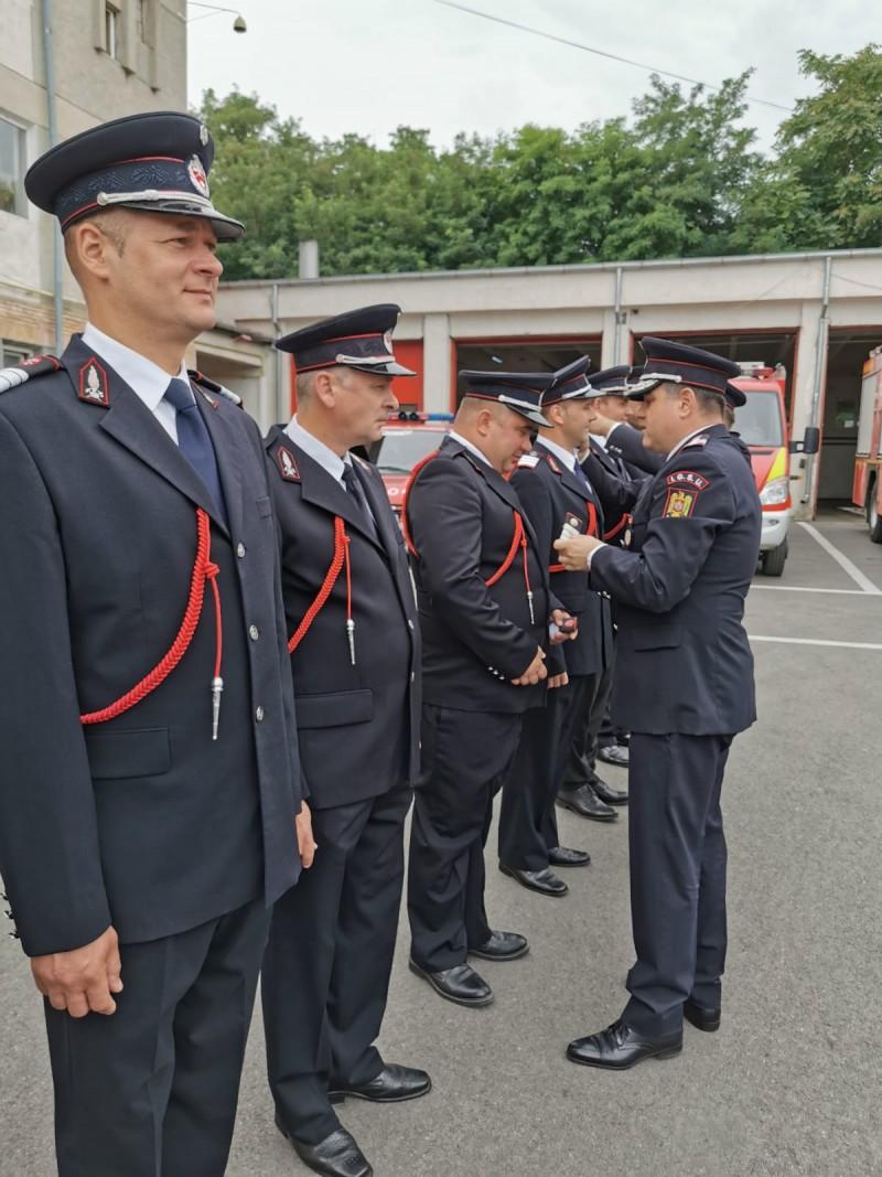 Eroii nevăzuți ai Botoșaniului! 58 de pompieri au fost avansaţi astăzi în grad! Galerie FOTO