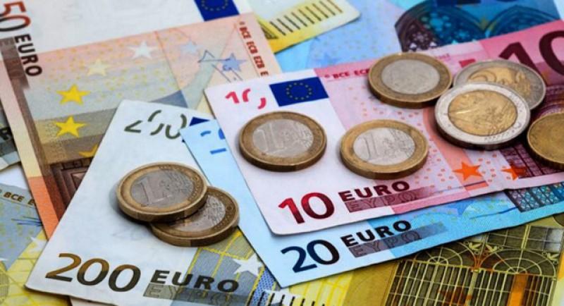Euro se apropie cu repeziciune de pragul de 4,8 lei