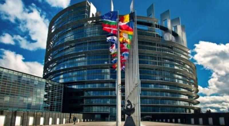 Europa rămâne unită în fața Covid- 19: 100 de miliarde euro de la UE, sprijin pentru salariați, fermieri și persoanele cele mai defavorizate