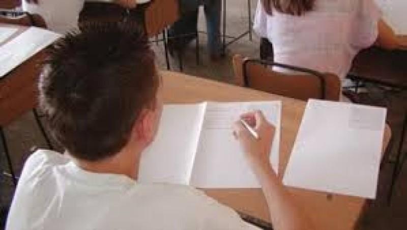 Evaluarea Nationala 2013 Absolventii de clasa a VIII-a vor sustine joi examenul de Matematica