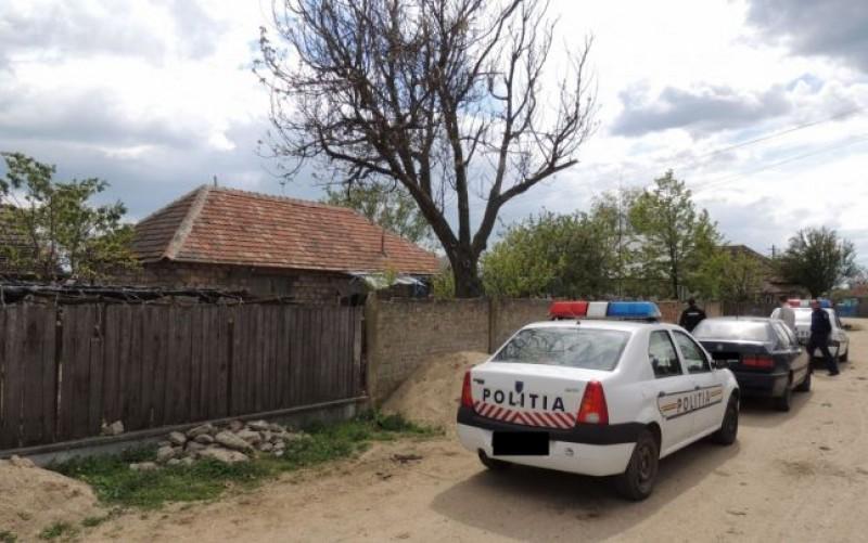 Exces de zel românesc: o poliţistă i-a luat unui şofer permisul şi după câteva minute l-a amendat pentru că nu-l are la el