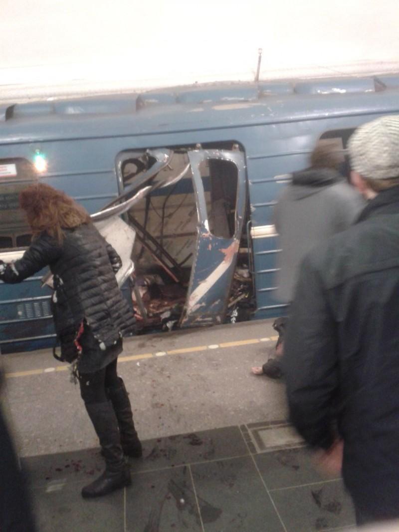 Explozii la metroul din Sankt Petersburg, soldate cu zeci de victime dintre care cel putin 10 morti - VIDEO