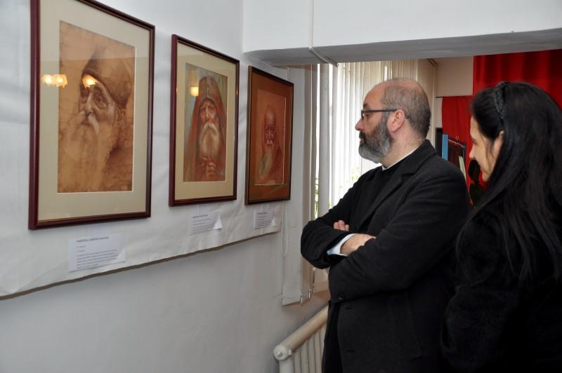 """Expoziţia """"Chipuri ale sfinţeniei"""", la Dorohoi, un eveniment de suflet şi bucurie creştină! FOTO"""