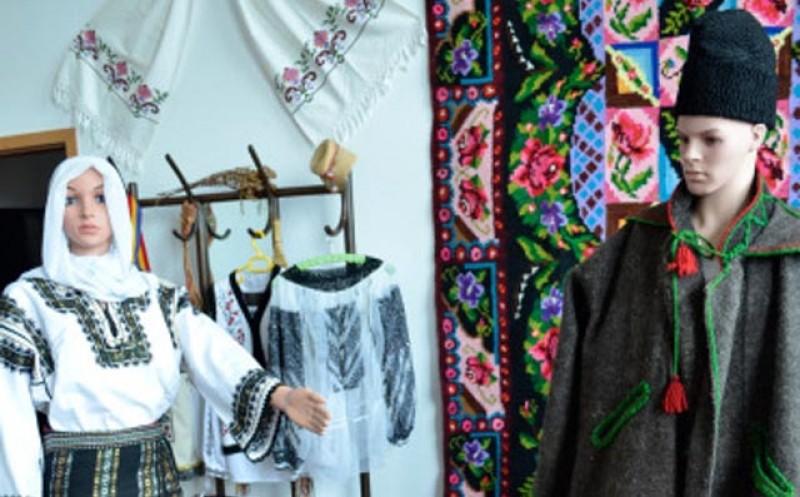 Expoziție online de costume populare la Casa Municipală de Cultură din Dorohoi