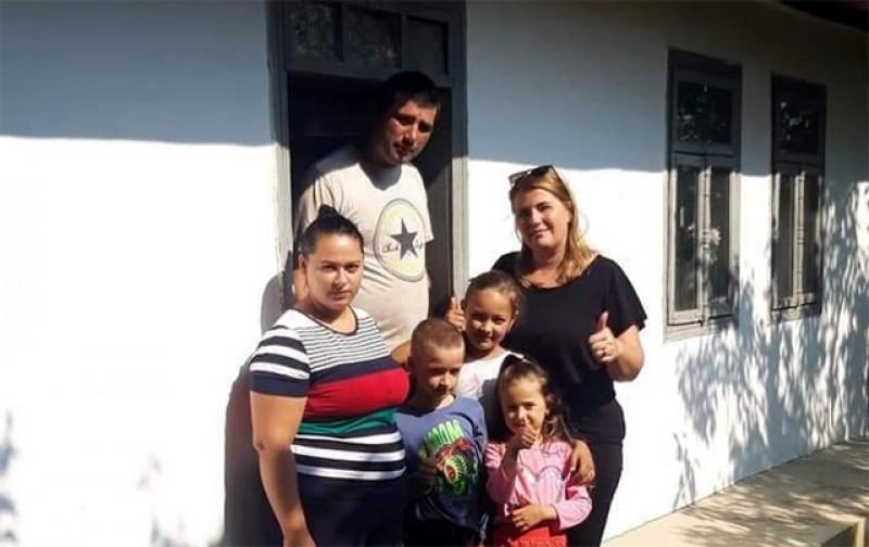 Familia din Cristinești a cărei casă a fost mistuită de un incendiu, are acum o locuință decentă