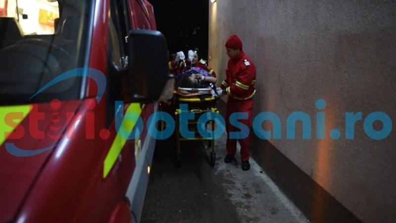 """Fata care a căzut de la etajul patru al unui bloc din Botoșani este în stare gravă: """"Prognosticul este unul rezervat"""", spun medicii din Iași!"""