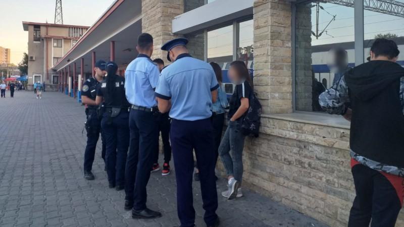 Fata de 16 ani căutată de familie și poliție mai bine de două săptămâni a fost găsită într-o gară din Suceava