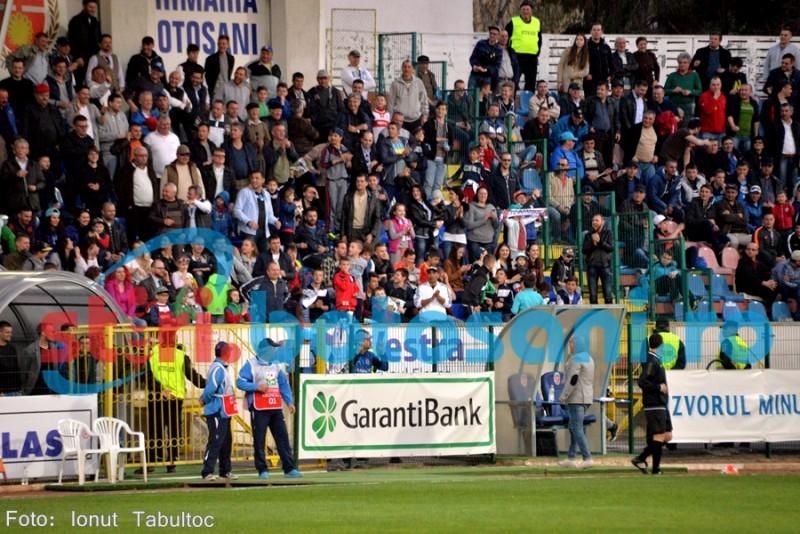 FC Botosani a fost amendata, dupa ce un suporter a aruncat o petarda la meciul cu timisorenii