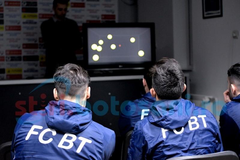 FC Botoșani a testat cea mai nouă inovație în sport, aparută în România: NEUROTRACKER, aplicația ce antrenează creierul! FOTO, VIDEO