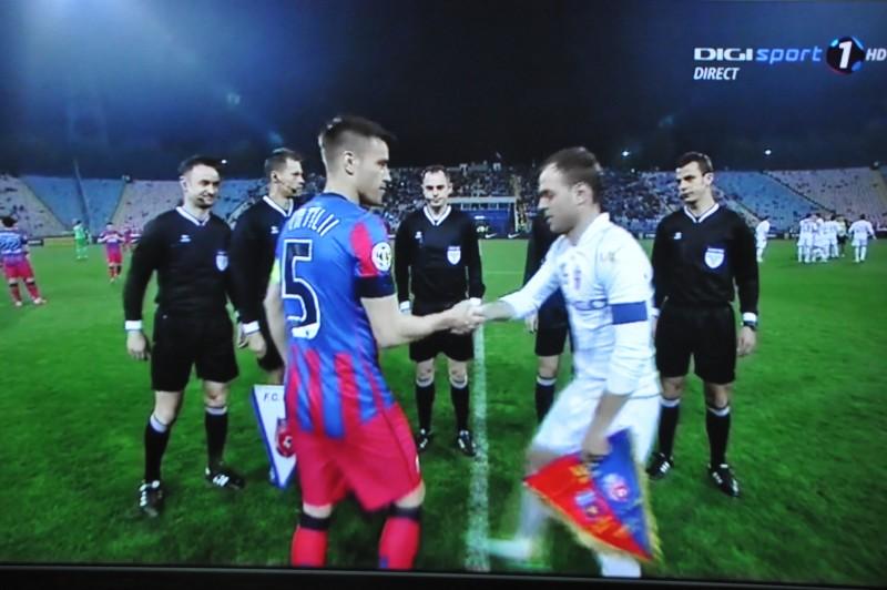 """FC Botosani, invinsa cu 4-0 de Steaua, intr-un meci cu doua goluri """"suspecte"""" si doua eliminari!"""