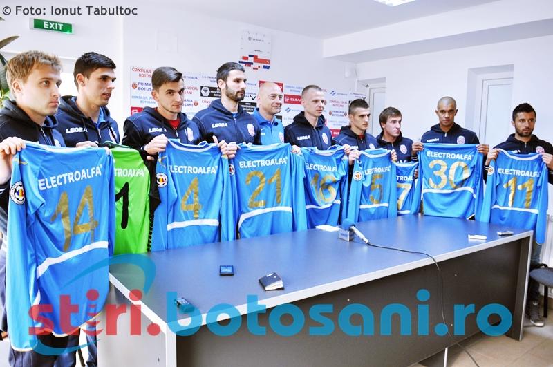 FC Botosani si-a prezentat cei noua jucatori transferati - FOTO