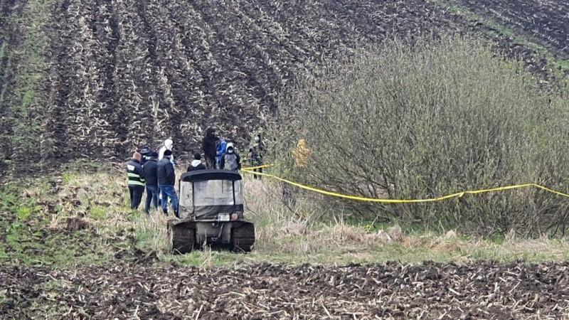 Femeia dispărută vineri, găsită carbonizată pe un teren extravilan